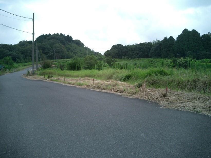 三重県鈴鹿市八野町:田