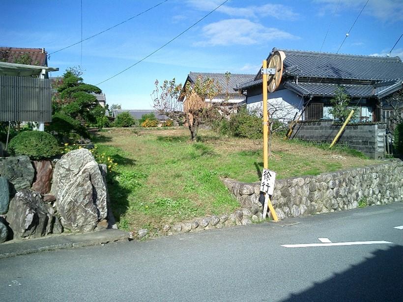 三重県亀山市上野町:雑種地